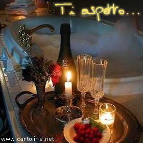Invito per una serata romantica - Giochi di baci in bagno ...